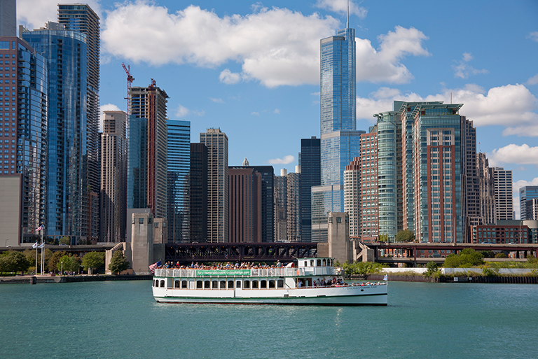 Chicago's First Lady River Tours